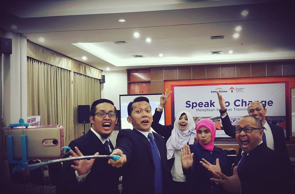 Speak To Change PT Kimia Farma 2016 - CORPORATE TRAINING INDONESIA
