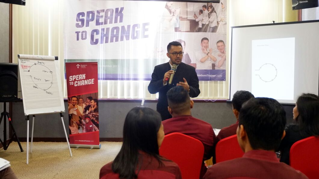 Bagaimana Memilih Training Public Speaking yang Terpercaya Corporate Training Indonesia