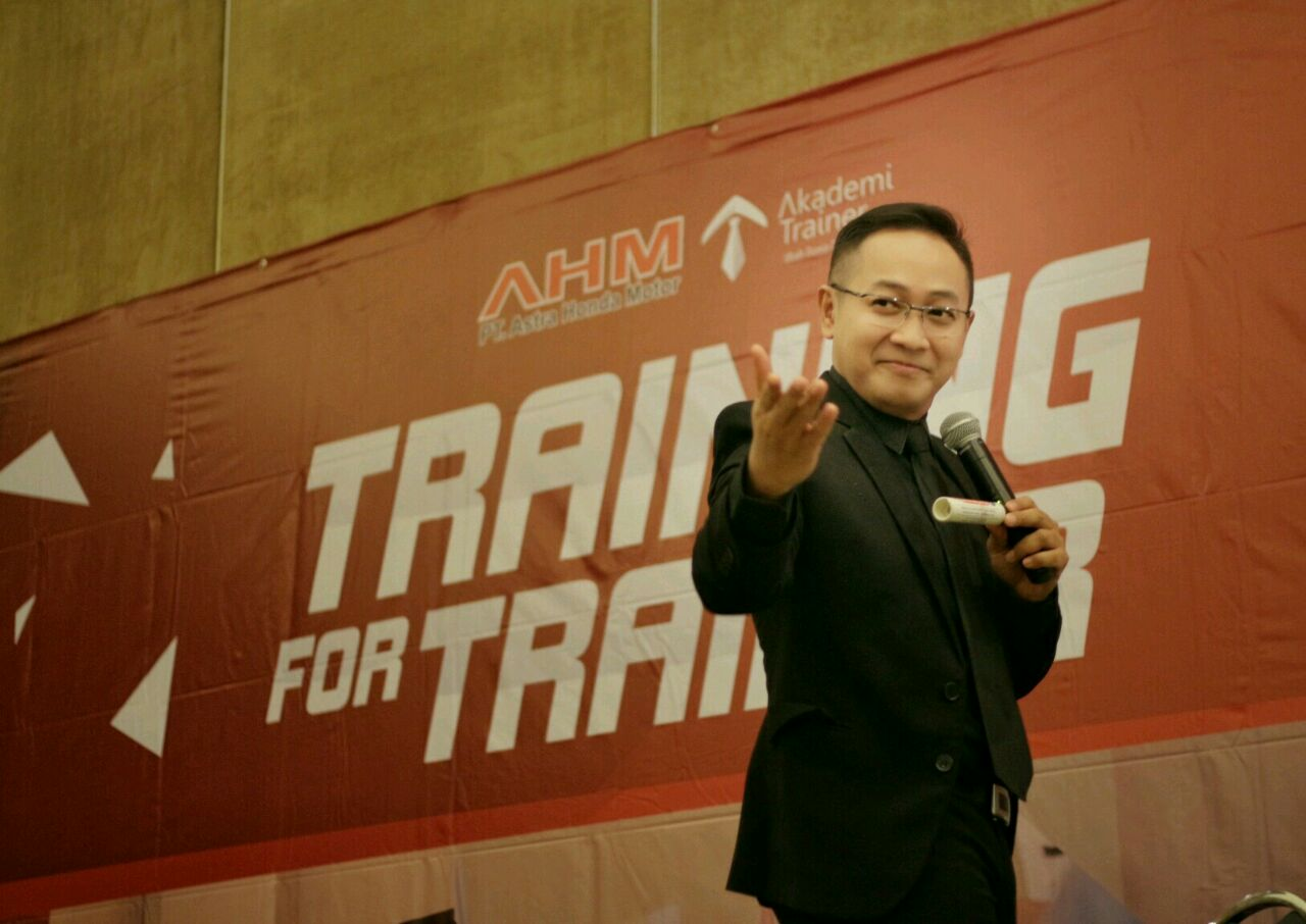 Kursus Public Speaking Training For Trainer - Corporate Training Indonesia