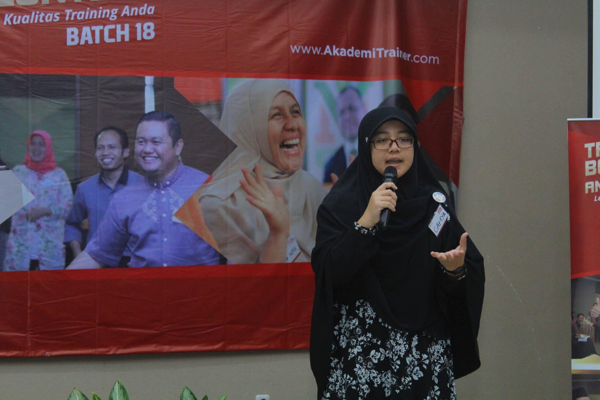 Kiat Supaya Tidak Berbelit-Belit Saat Pidato - Corporate Training Indonesia